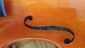 1-150402 Stankov Strad Viotti 1709 Top F Hole closeup